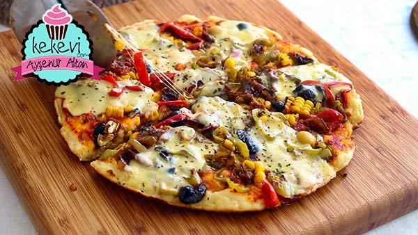 Tavada Kolay Pizza Tarifi Mayasız Hamur Ile Ayşenur Altan